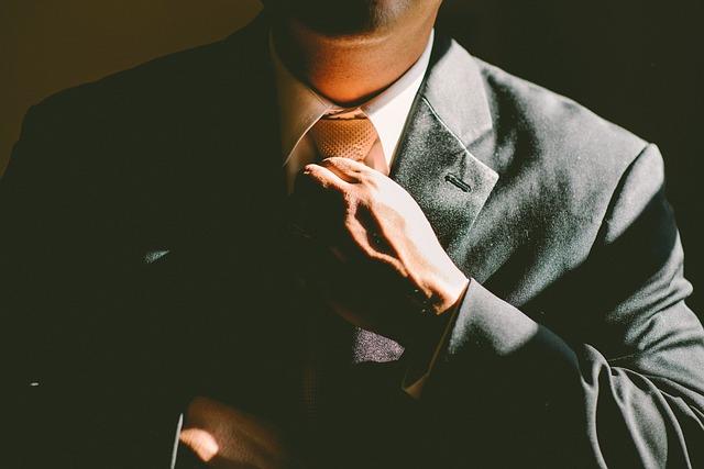 Jak znaleźć odpowiedniego radcę prawnego?