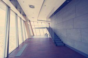 ściany ze szkła