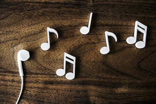 Muzyka bez opłat za publiczne odtwarzanie
